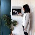 壁掛けポスト【calm】 ダイヤル式扉 ガルバナイズド加工 錆びにくい 粉体塗装 ライトグレーLGY 写真4