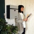 壁掛けポスト【calm】 ダイヤル式扉 ガルバナイズド加工 錆びにくい 粉体塗装 ライトグレーLGY 写真5